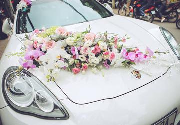 trang trí hoa xe cưới