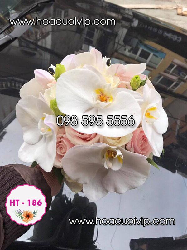 hoa cưới câm tay