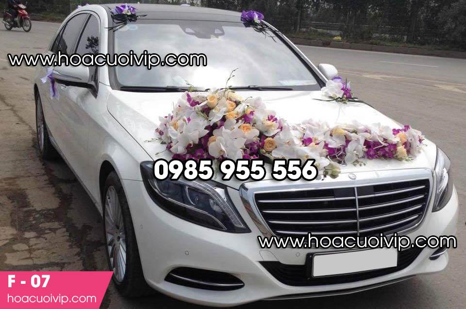 Mẫu hoa trang trí xe cưới