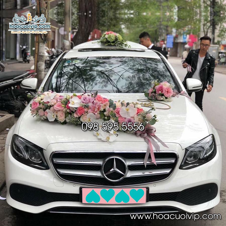 Thuê xe cưới Mercedes E300 màu trắng