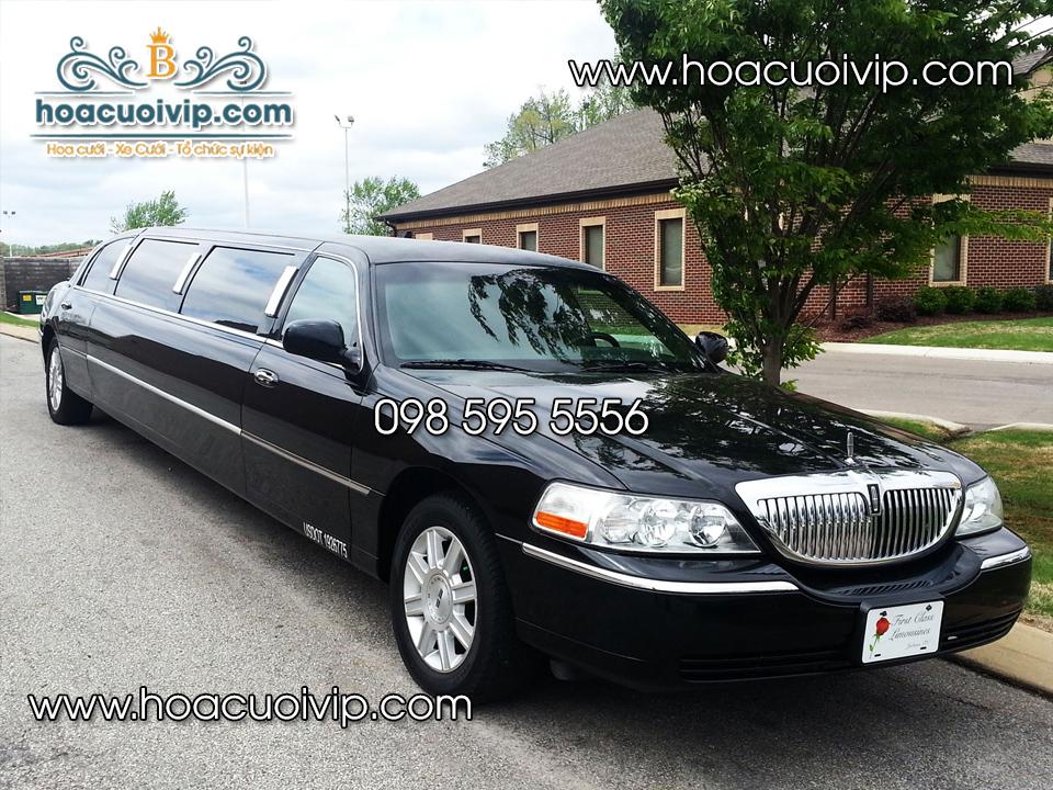 xe cưới Lincoln Limousine đen