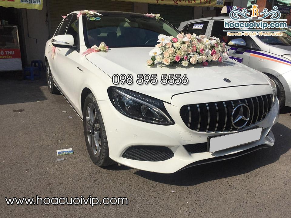 thuê xe cưới mercedes C300 trắng 2018