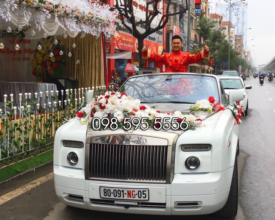 thuê xe cưới rolls royce phantom mui trần trắng