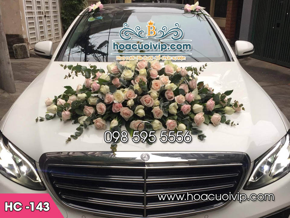 hoa trang trí xe cưới