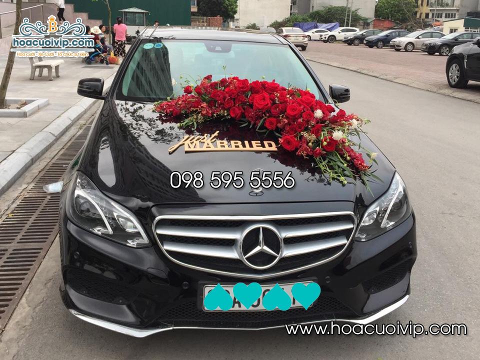 Thuê xe cưới Mercedes E250 màu đen