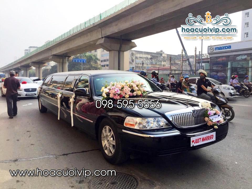 hoa cưới vip trang trí siêu xe lincoln limousine